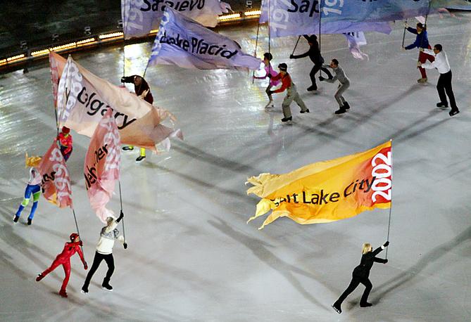 ХIХ зимние Олимпийские игры в Солт-Лейк-Сити, США, 2002 год. В фигурном катании произошло событие, не имевшее прецедента за всю историю Зимних Олимпийских игр — канадская пара Сале/Пелетье получила вторые золотые олимпийские медали. В итоге, золотыми медалями были награждены как россияне, занявшие первое место, так и канадцы
