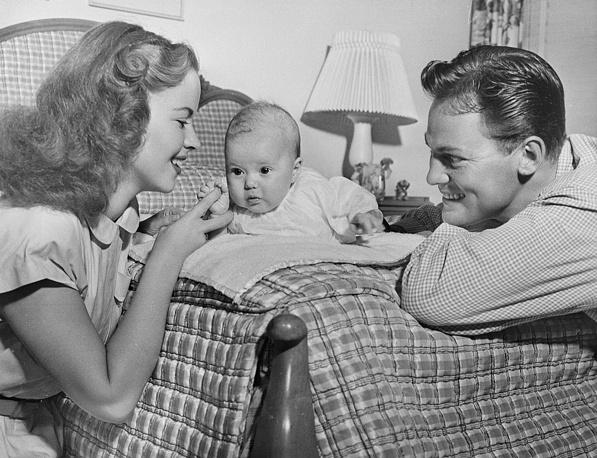 С мужем и дочерью. 1948 год.