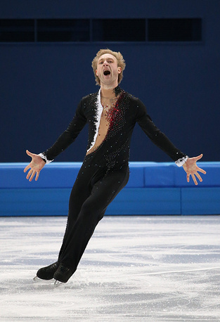 На Олимпиаде в Сочи Евгений Плющенко стал олимпийским чемпионом в командных соревнованиях