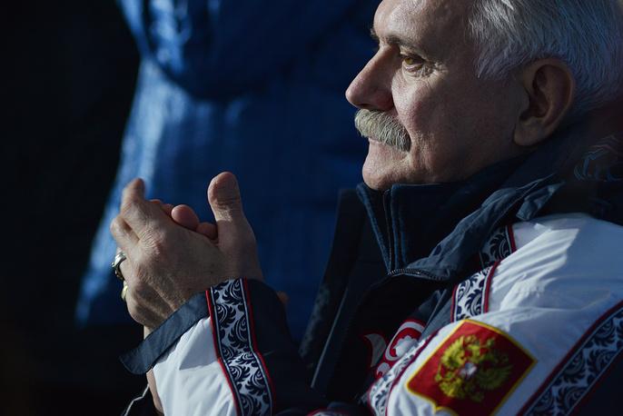 Режиссер Никита Михалков во время соревнований по фигурному катанию