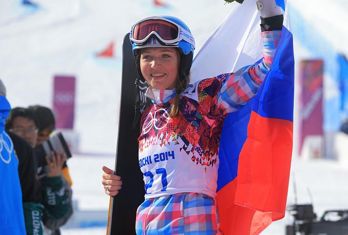 Алена Заварзина завоевала бронзовую медаль со сломанной рукой. Спортменка получила травму 12 января на этапе Кубка мира в Австрии, но смогла в восстановится и была включена в состав олимпийской сборной России