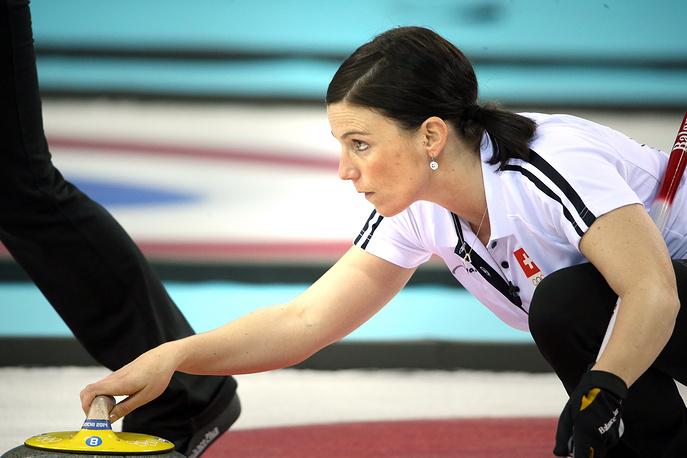 Еще одна швейцарка – Кармен Кюнг (36). Для спортсменки Олимпиада в Сочи стала второй в карьере. Сборная Швейцарии на олимпийском турнире в Сочи в матче за бронзовую медаль уступила команде Великобритании