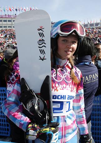 Российская сноубордистка Алена Заварзина не смогла выйти в четвертьфинал параллельного слалома