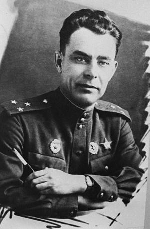 В публикациях прессы 1970-х и 1980-х годов Леонид Брежнев иногда именовался Верховным Главнокомандующим Вооружёнными силами СССР, но нормативные акты об этой его должности не публиковались