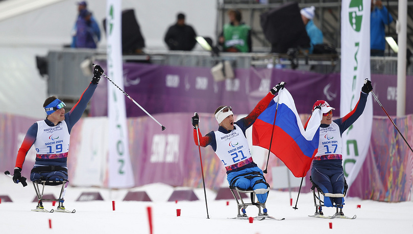Ирек Зарипов (слева), Роман Петушков (в центре) и Александр Давидович
