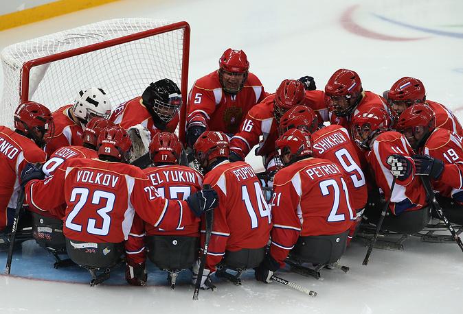 Команда России проиграла сборной Южной Кореи на турнире по следж-хоккею на Паралимпийских играх в Сочи