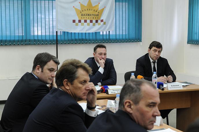 Полпред президента РФ в УрФО Игорь Холманских и губернатор Свердловской области Евгений Куйвашев (на втором плане слева направо)