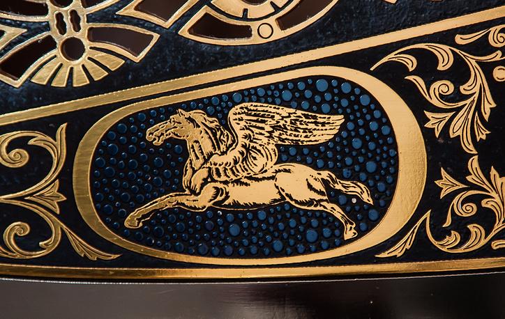 Гравюра на орудии: крылатый конь Ивана Бушуева