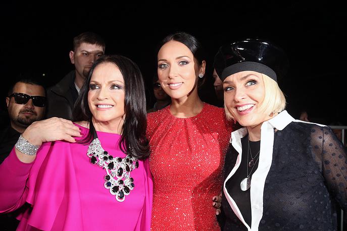 """София Ротару, Алсу и Лайма Вайкуле (слева направо) на шоу-концерте """"Песня года-2013"""""""