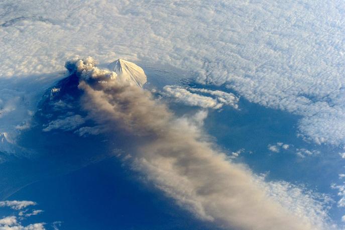 Извержение вулкана Павлова на Аляске, 2013 год