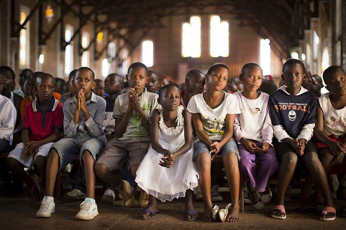 7 апреля отмечают Международный день памяти о геноциде в Руанде. На фото: день памяти жертв геноцида в Руанде, 6 апреля 2014 года