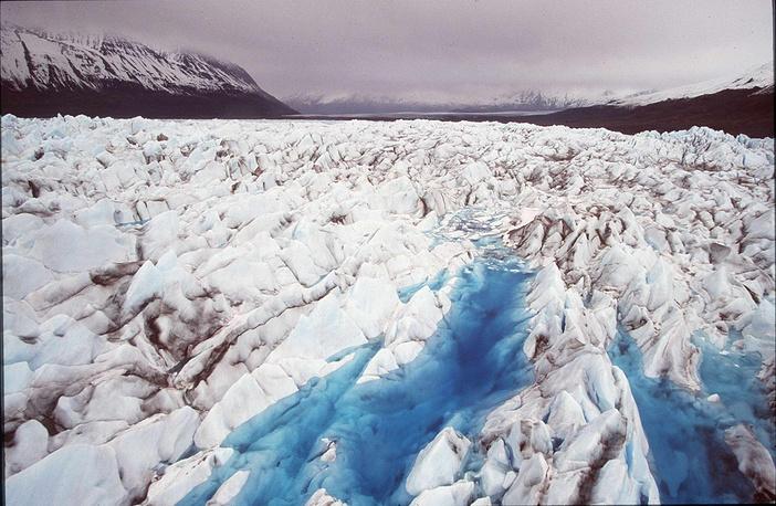 Отход ледников в районе фьордов в проливе Принца Вильгельма, Аляскинский залив