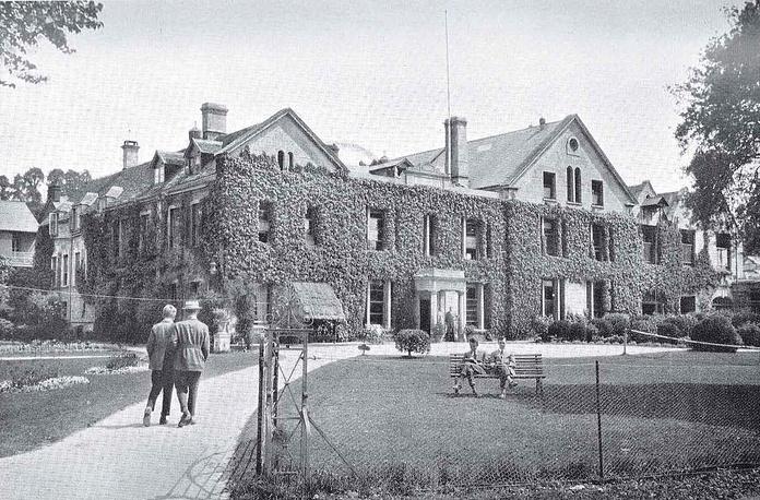 Wycliffe College. Великобритания. Здание школы. 1930-е