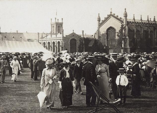 Празднование дня окончания учебного года. Cheltenham College. Великобритания.1914 год