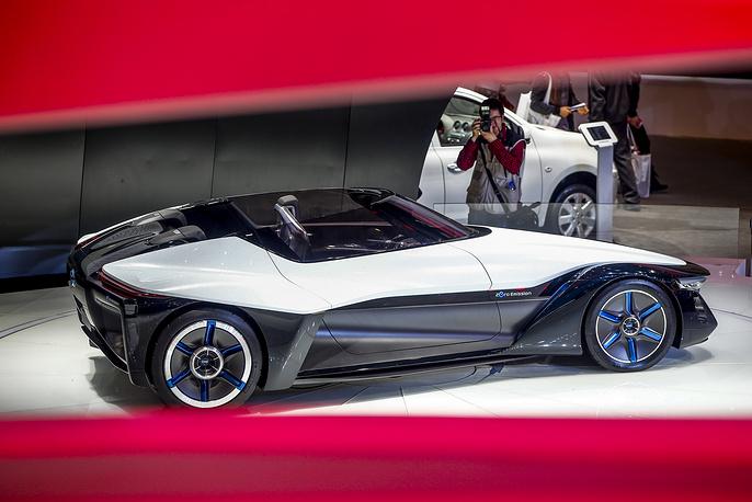 Компания Nissan представила концепт Blade Glider