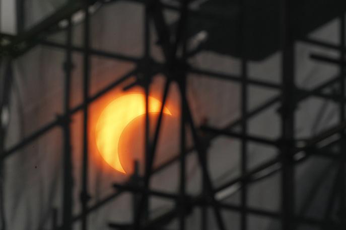 Частичное солнечное затмение, Пекин, 2012 год