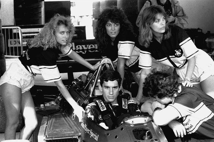 """В следующем сезоне перешел в команду """"Лотус"""". 21 апреля 1985 года на Гран-при Португалии, впервые в карьере стартовав с поул-позишн, одержал свою первую победу в """"Формуле-1"""". На фото: квалификация Гран-при Испании, 1986 год"""