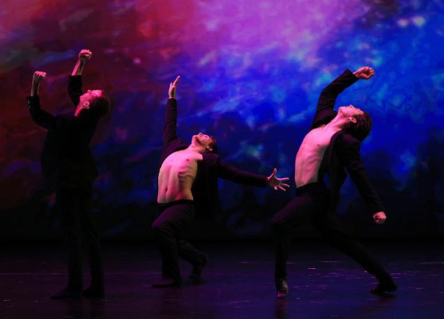 Во время гала-концерта, закрывающего программу XIII Международного фестиваля балета Dance Open в Александринском театре.