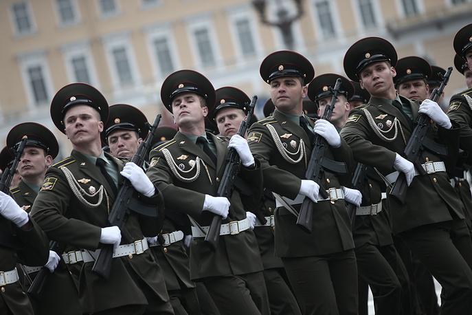 Парад Победы на Дворцовой площади 9 мая 2014 года
