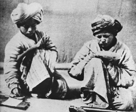 Ученики дореволюционной мусульманской школы, Россия, 1907 год