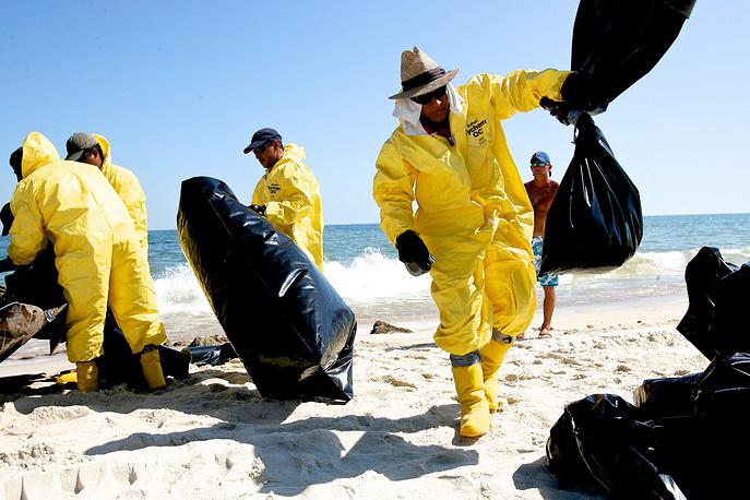 Ущерб был нанесен растительному и животному миру, большой урон понесли рыболовные и туристические компании