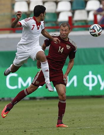 Счет во встрече с марокканцами открыл защитник сборной России Василий Березуцкий