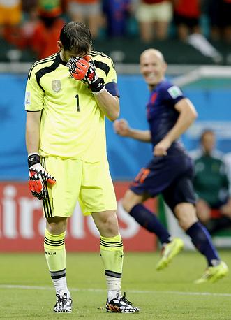 Вратарь сборной Испании Икер Касильяс расстроен больше всех