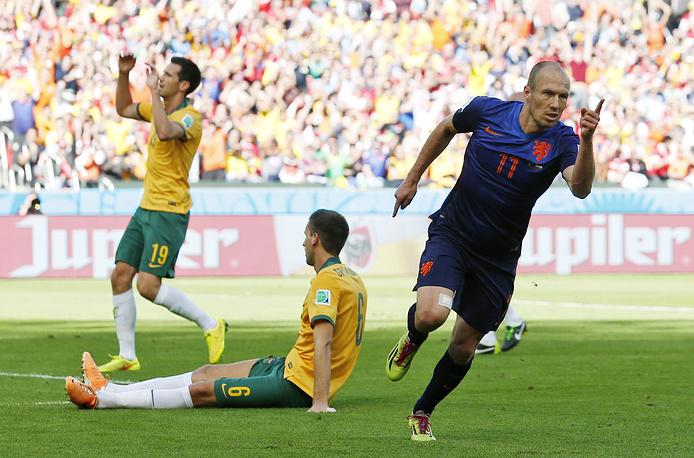 Арьен Роббен забил уже третий матч на турнире