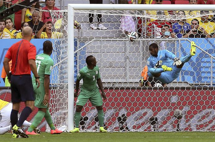 Эффектный полет вратаря не спас Кот- д'Ивуар от гола