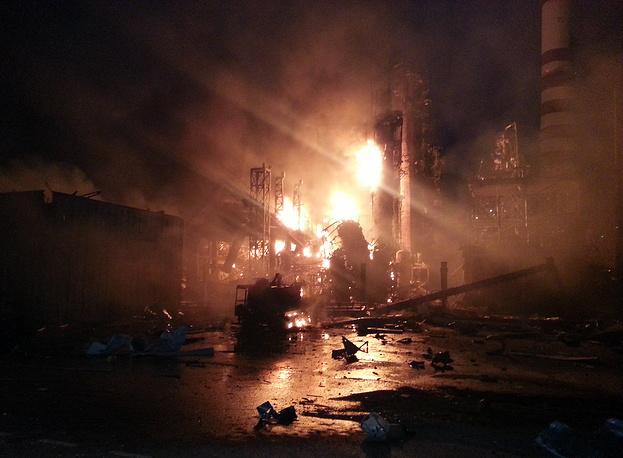 Взрыв на Ачинском нефтеперерабатывающем заводе, случившийся 15 июня, в 20.00 (по московскому времени), стал причиной гибели восьми человек