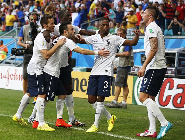Радость футболистов сборной Франции