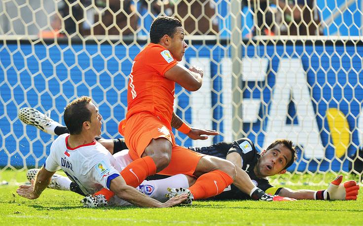 Свой второй гол на турнире, выйдя на замену, забил Мемфис Депай