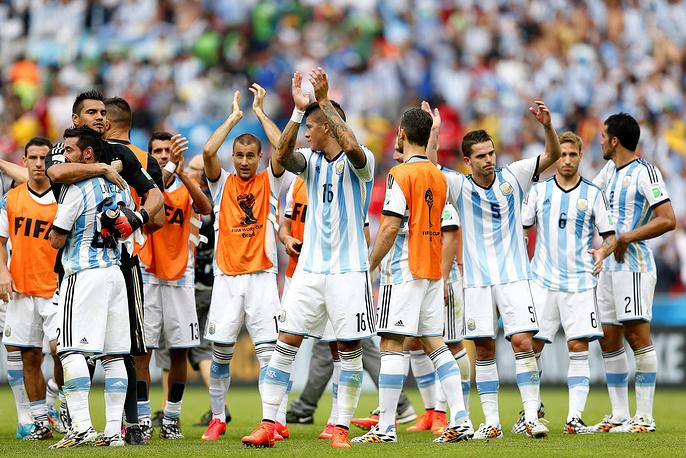 Сборная Аргентины заняла первое место в группе, набрав 9 очков. В 1/8 финала аргентинцы сыграют с командой, занявшей второе место в группе Е