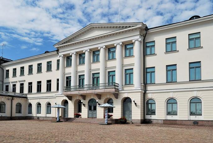 Президентский дворец в Хельсинки - рабочая резиденция президента Финляндии. В декабре 2012 года здание было закрыто на ремонт, из-за чего экскурсии во дворец были приостановлены