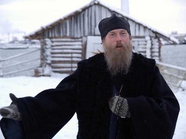 """Виктор Сухоруков (отец Филарет) во время съемок фильма """"Остров"""". 2006 год"""