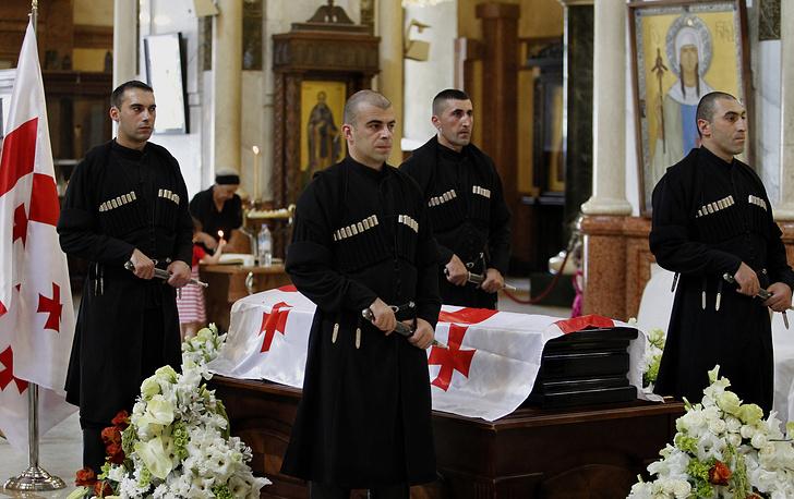 Церемония прощания с бывшим президентом Грузии, последним министром иностранных дел СССР Эдуардом Шеварднадзе в Кафедральном соборе Святой Троицы