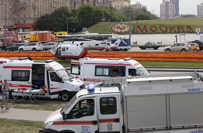 Первые машины с бригадами скорой помощи прибыли к месту аварии в течение 13 минут, а их общее число в последующие часы достигло 108