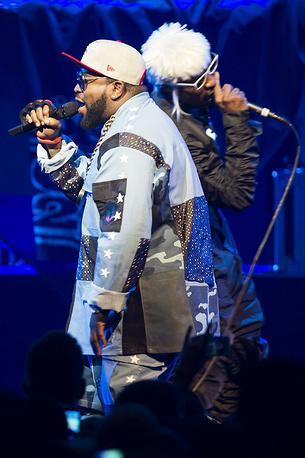 Американский хип-хоп-дуэт Outkast во время выступления на сцене Stravinski Hall