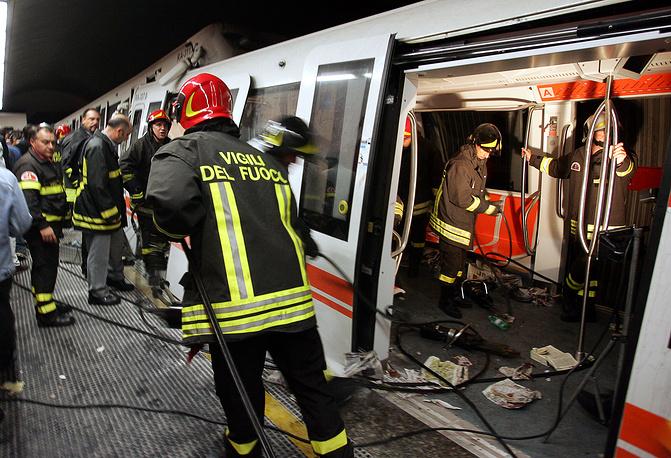 Столкновение двух поездов римского метро, Италия, 17 октября 2006 года