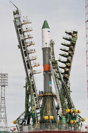 Ракета установлена в пусковую систему. Начаты работы по графику первого стартового дня