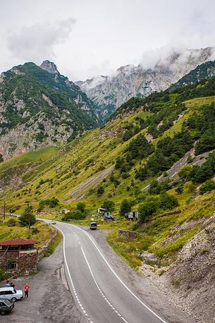 По пути в горы встречается множество пасек, как и везде на Кавказе.