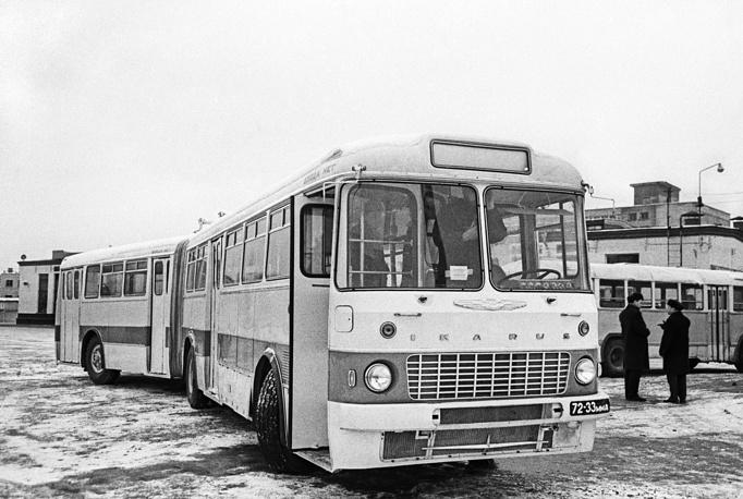"""Рейсовый автобус """"Икарус-180"""", 1968 год"""