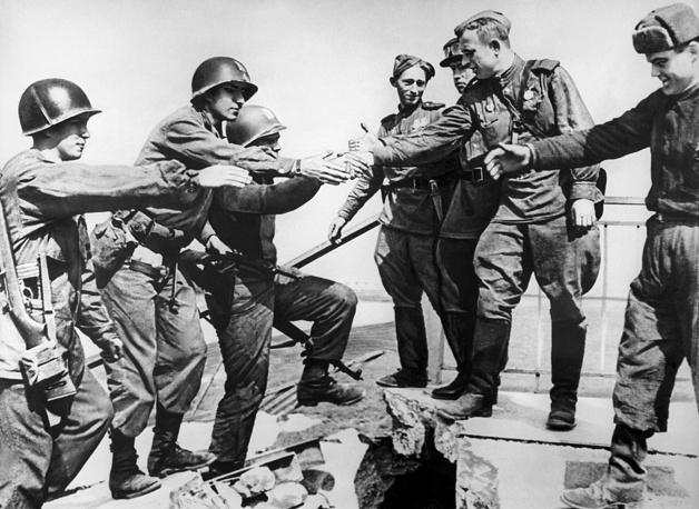 Встреча на Эльбе советских и американских войск, 1945 год