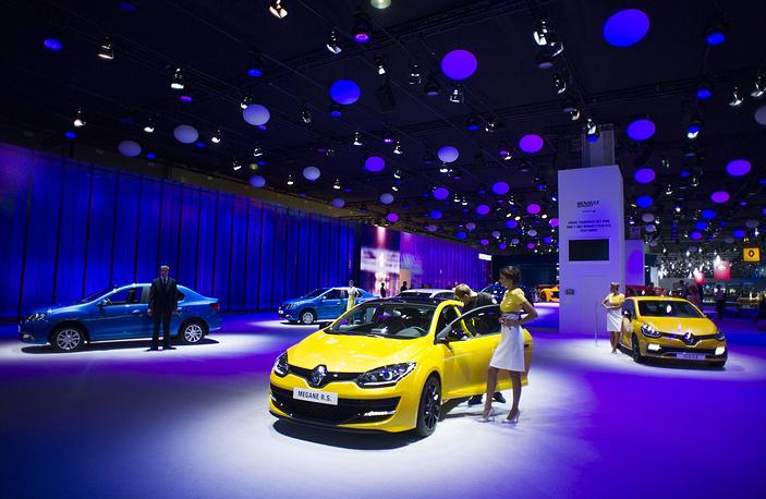 Стенд Renault