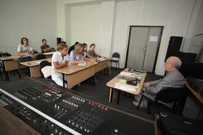 Студенты Всероссийского государственного института кинематографии им. С.А. Герасимова во время занятий, 2009 год