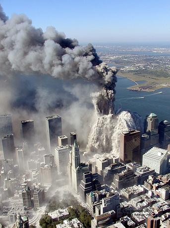 """Впервые термин """"война против террора"""" прозвучал из уст американского президента Джорджа Буша после терактов 11 сентября 2001 года в США"""