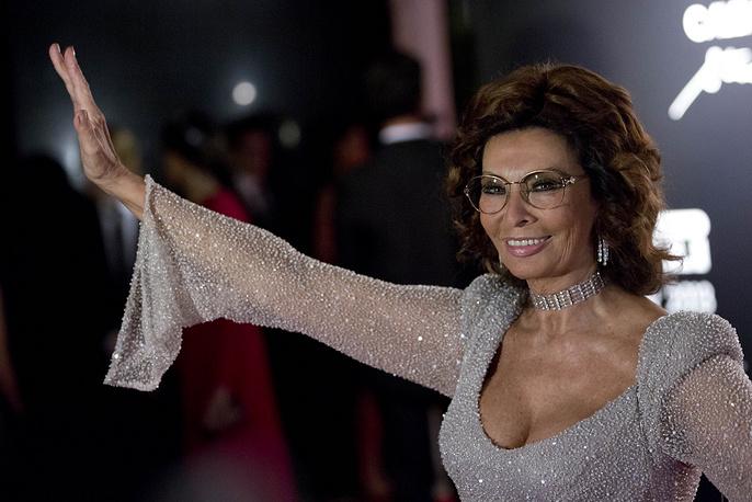 В 2007 году актриса в возрасте 72 лет снялась для фотокалендаря Pirelli. На фото: Софи Лорен на презентации календаря в Рио-де-Жанейро, 2007 год