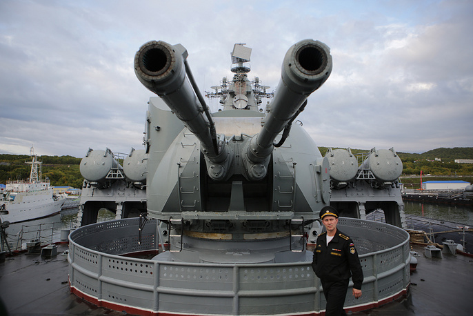 """Во время противодесантной операции с борта двух атомных подлодок и ракетного крейсера """"Варяг"""" Тихоокеанского флота запущены крылатые ракеты. На фото: крейсер """"Варяг"""""""