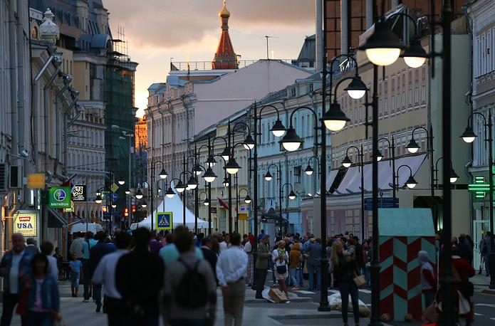 Москва присоединилась к акции в 2008 году. В столице ведется работа по благоустройству пешеходных зон, в том числе с велодорожками. На фото: открытие новой пешеходной зоны на Пятницкой улице