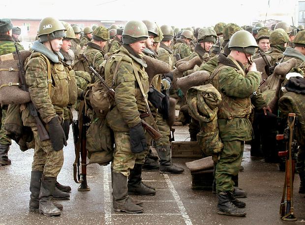 Подготовка блокотрядов в Ханкале, 2003 год